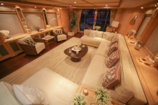 Motor yacht QUEST R - Saloon Seating