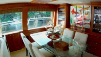 Motor yacht REFLECTIONS - Salon Dining