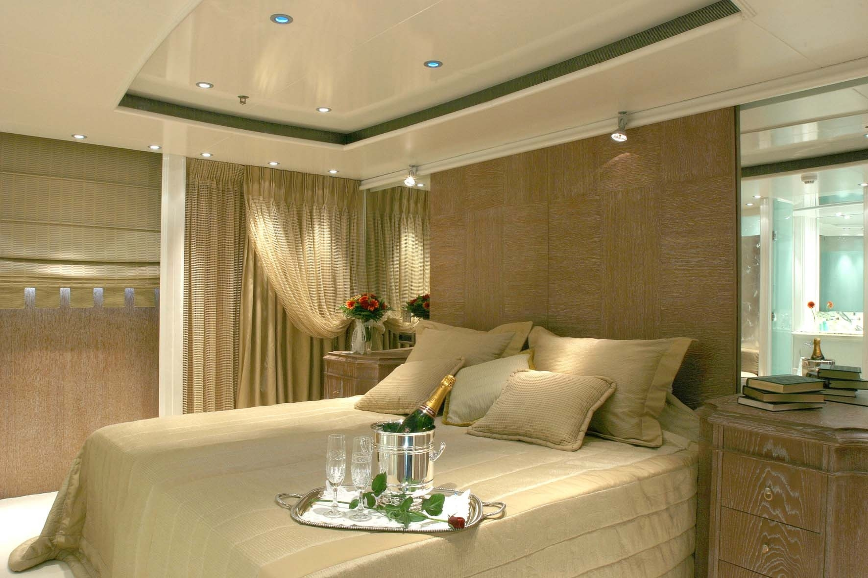 Luxury Yacht Charter Motor Yacht Rm Elegant Cabin