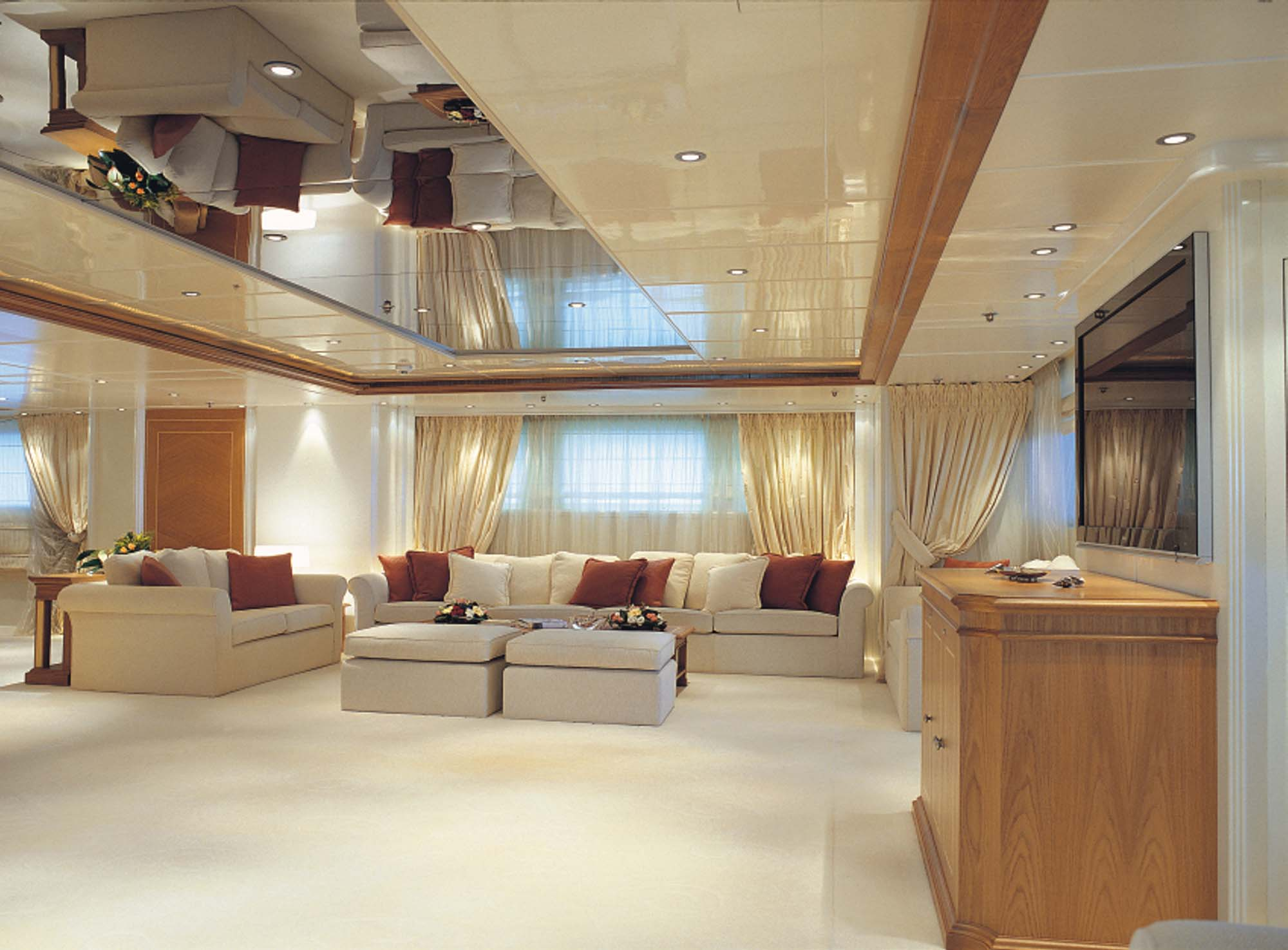 Elegant 007 Yacht Charter Details Lamda Shipyard