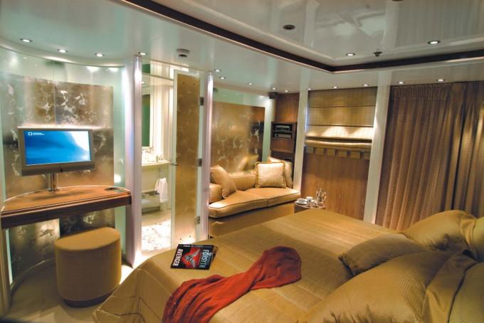 Luxury Yacht Charter Motor Yacht Rm Elegant Standard