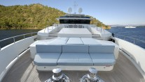 Motor yacht SERENITAS - Bow Seating
