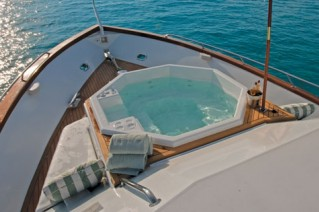 Motor yacht TRILOGY -  Foredeck Spa Pool