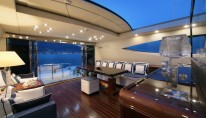 Motor yacht VERA - Deck Salon looking Aft