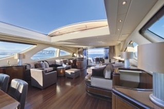 Motor yacht Veni Vidi Vici -  Main Salon with top open