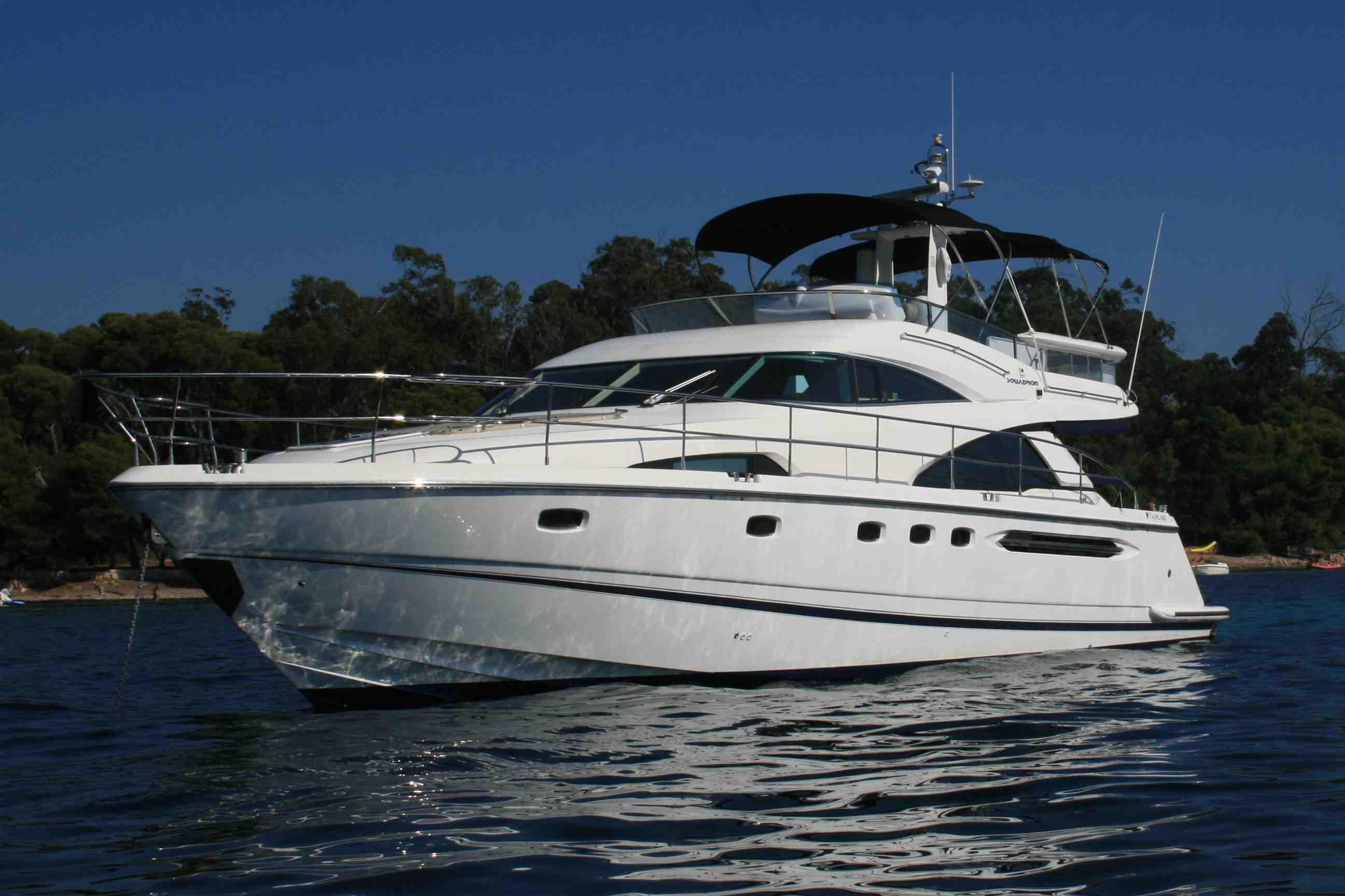 motor yacht wave