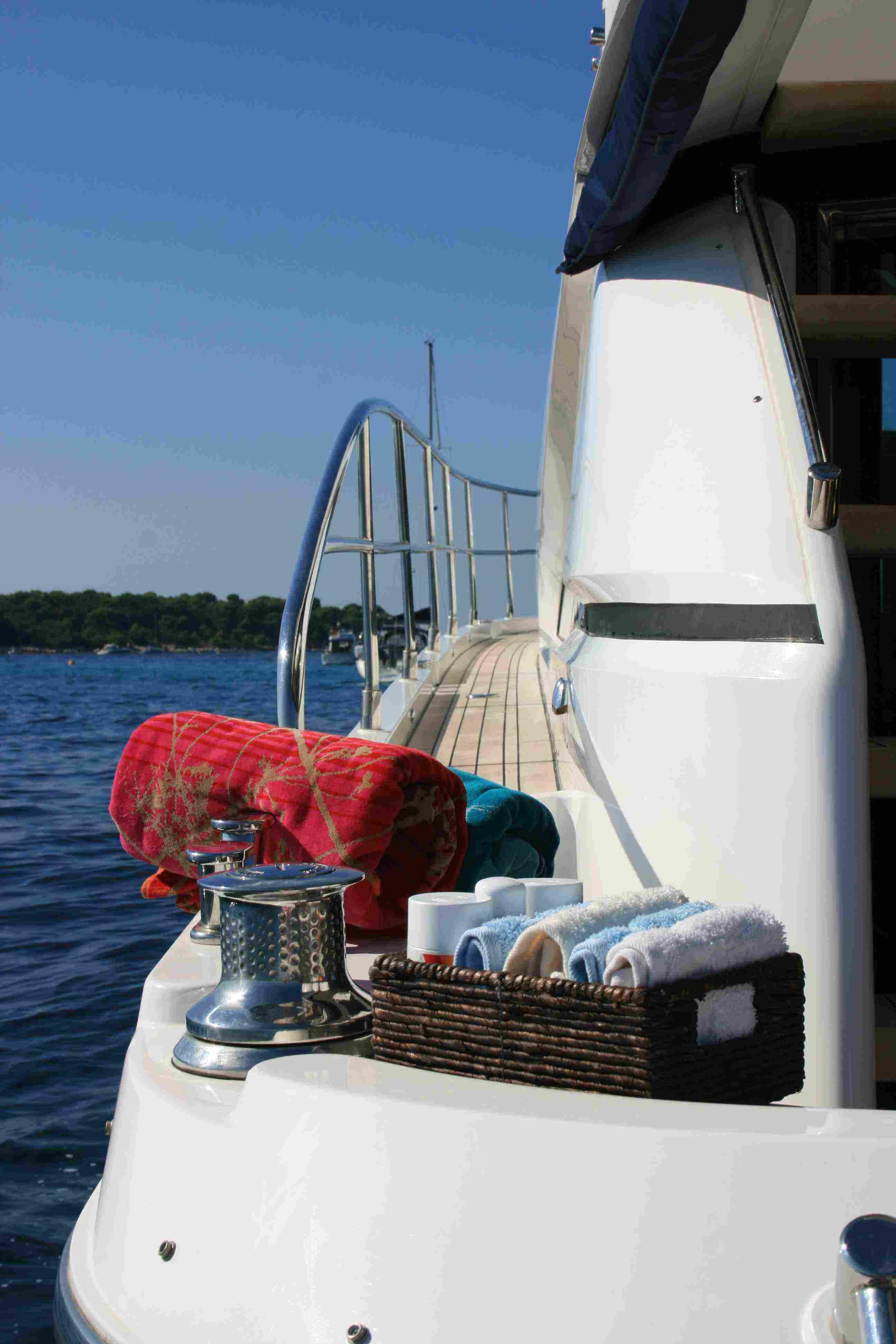 wave yacht charter details  fairline squadron 58
