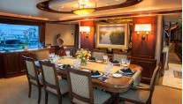 Motor yacht WILD KINGDOM - Dining Table