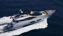 Motoryacht HIGH ENERGY - from above