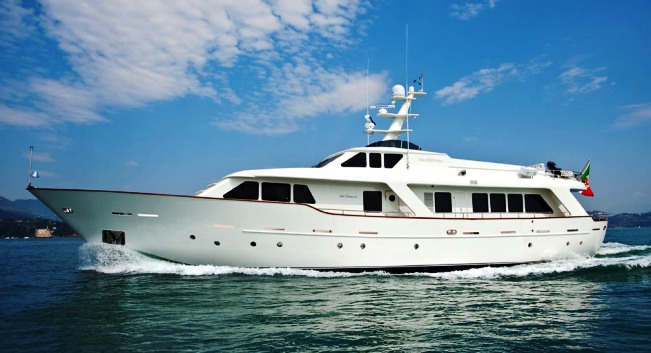 Motor Yacht Mrs WHITE