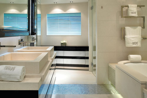 Master ensuite image gallery yacht imperial princess for Ensuite master bath