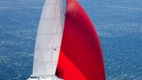 NECKER BELLE -  Under Spinnaker