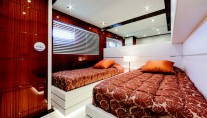 Nameless Yacht - Twin cabin