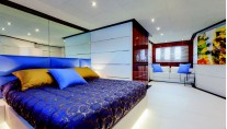 Nameless superyacht - sateroom