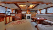 Nautilus - Salon view aft