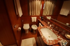 OURANOS TOO -  VIP Bathroom