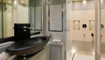 Owners bathroom on the super yacht Lady Jane