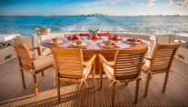 PARADISE - Aft deck dining