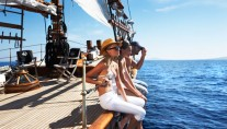 PRINCE DE NEUFCHATEL - Relaxing on Charter