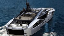 Palmer Johnson 48 SuperSport Yacht - aft view