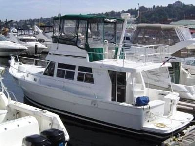An all-round seaworthy performer, Mainship Trawler 35 Motoryacht is capable ...