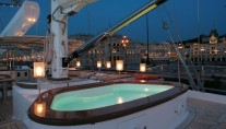Perini Navi luxury yacht Rosehearty - Spa Pool