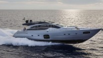 Pershing 82 Superyacht-001