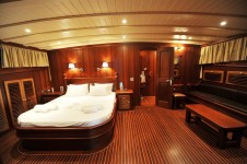 Princess Karia II -  Forward Master Cabin