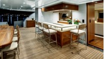 Q5 Quintessential superyacht Exterior Bar-001