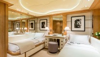QM OF LONDON superyacht - Guest suite