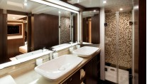 Queen Ekatierina Yacht-Bathroom-in-owners-cabin-001