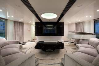 Quinta Essentia luxury motor yacht - upper salon