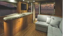 R75 Yacht - Flybridge Lounge