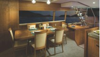 R75 Yacht - Forward Galley Dining