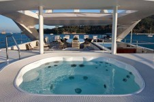 REVE D OR -  Sundeck Spa Pool