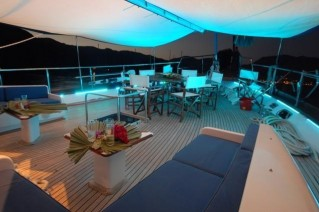 RIGEL - Foredeck at night