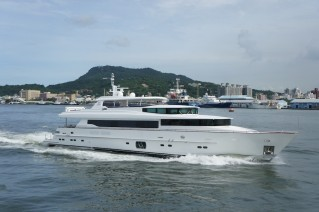RP 110 Horzion luxury yacht LADY GAGA.JPG