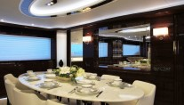 RP110 Horizon motoryacht Lady Gaga - Dining Table