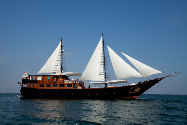 Sailing yacht SAMATA