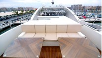SAMURAI ONE - Forward sundeck seating and wet bar