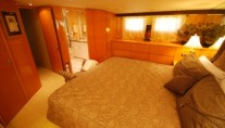 SEA DANCER master cabin