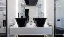 SEAFIRE Yacht - Bathroom