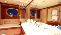 SILENCIO -  Master bathroom