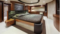 SIMPLE PLEASURE - Full beam master stateroom credit Sunseeker Yachts