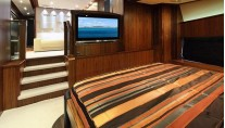 SIMPLE PLEASURE - VIP cabin main deck credit Sunseeker Yachts