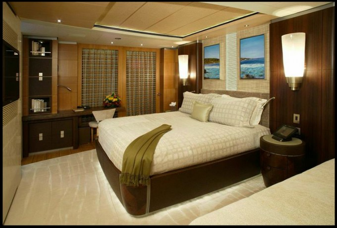 SUPERYACHT ANASTASIA - GUEST CABIN.png