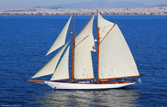 Sailing yacht AELLO
