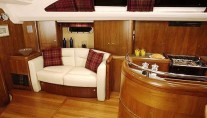 SY MUSTIQUE -  Saloon 2 sistership