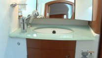 SY SEA STAR - Guest Ensuite