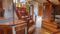 SY WHITEFIN - Companionway view